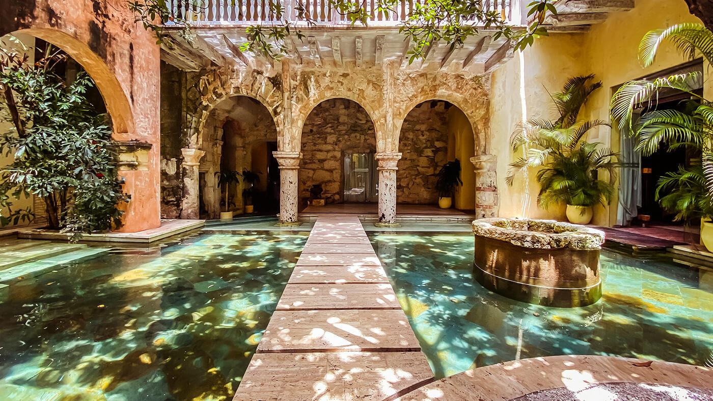 Home 15 Casa Pombo Slide 1